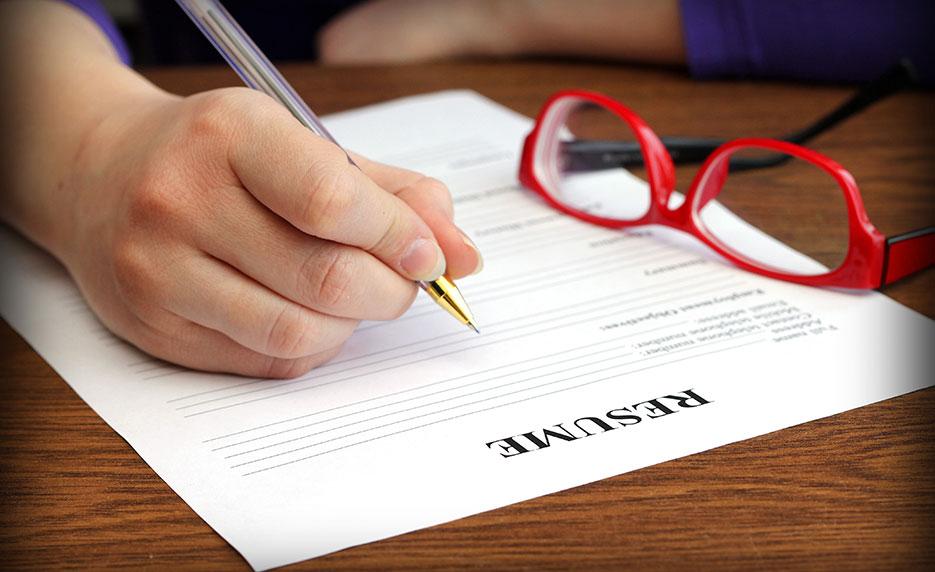 Hướng dẫn chi tiết cách viết đơn xin việc viết tay