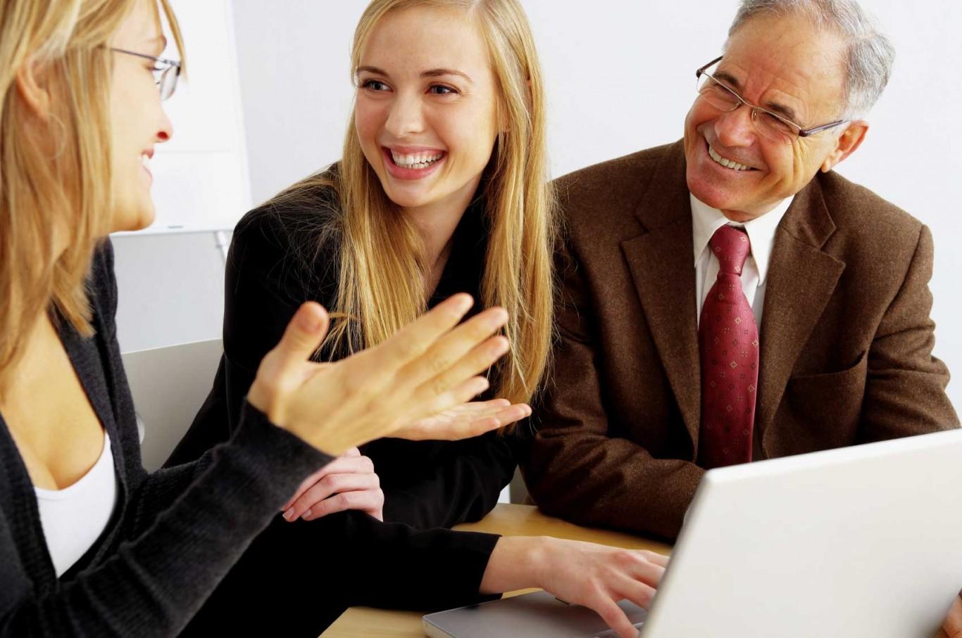 Những mẹo nhỏ giúp bạn tự tin hơn trong giao tiếp